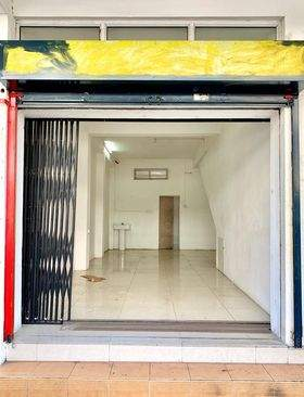 COMMERCIAL BUILDING AND APARTMENT ON SALE IN PORT LOUIS  - Apartments at AsterVender