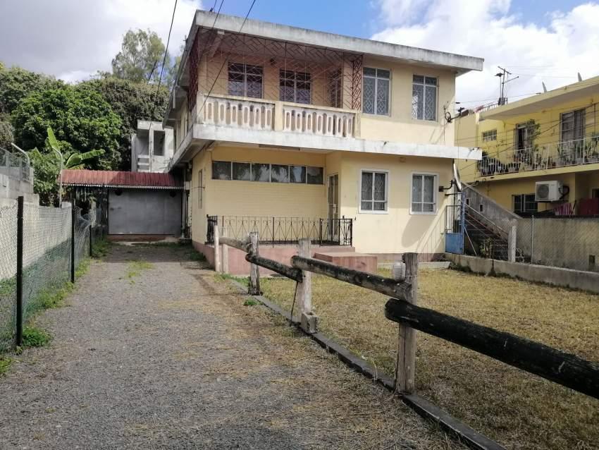 Maison + Apartment a vendre a Rose Hill - 6 chambres