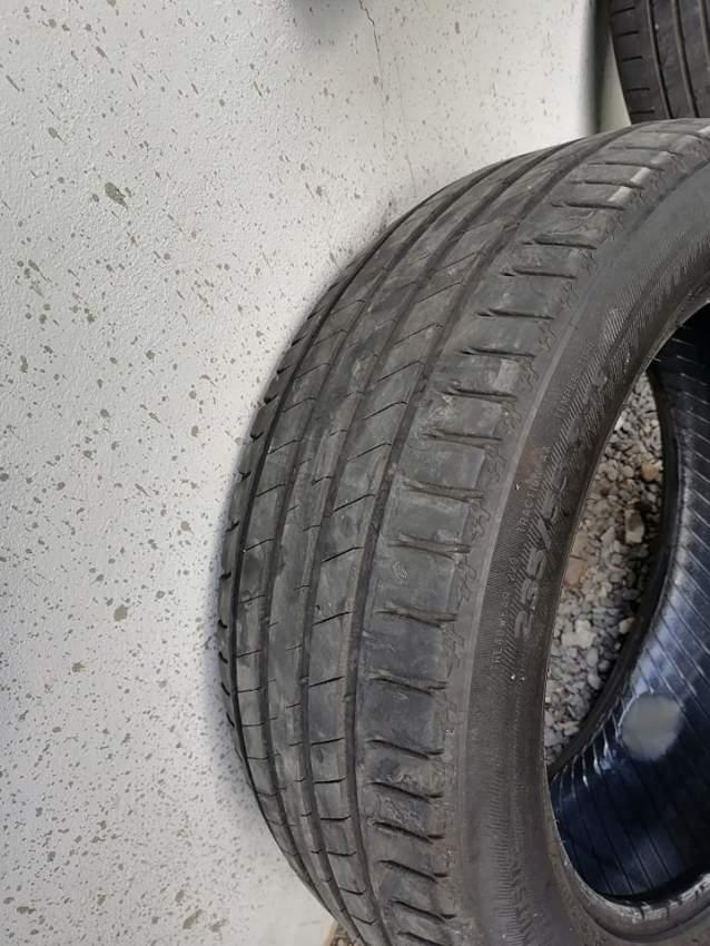 larou  235/55 r19 Michelin