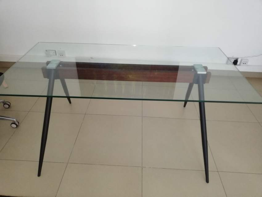 Glass table for 6 persons