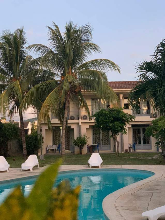 ESCALE VACANCES(bungalow next to the beach with swimming pool)