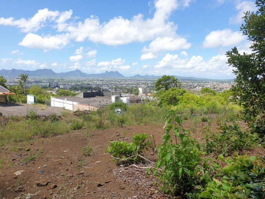 Hot Deal: 25 Perches Of Land With Panoramic Views In Floreal