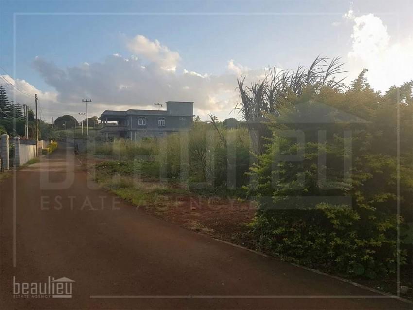 2 plots of residential lands in Belle Vue Maurel