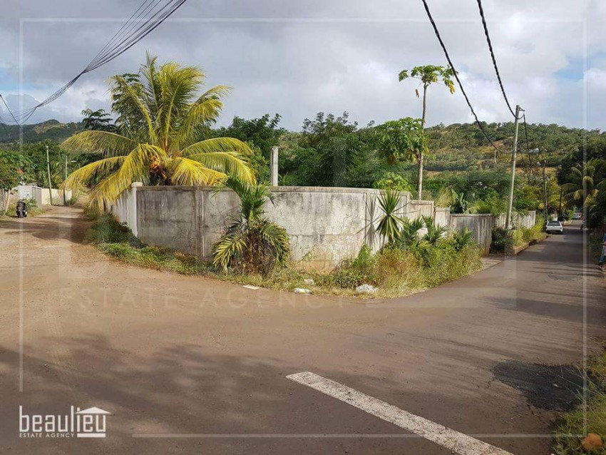 Residential Land  of  300 Toises  in Terre Rouge