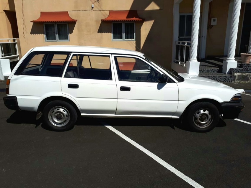 Toyota corolla EE96 (annee 91) - Family Cars at AsterVender