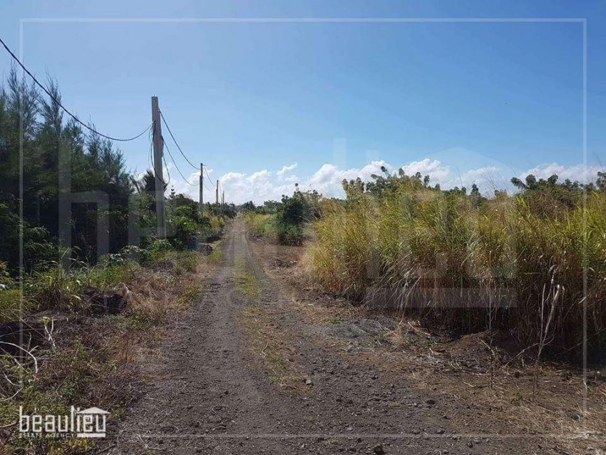** 1 A 20 Perches residential land in Goodlands, St Antoine **