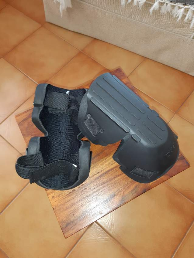 1 pair Protection  Genoux