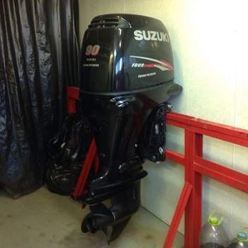 Slightly Used Suzuki 90HP 4-Stroke Outboard Motor Engine
