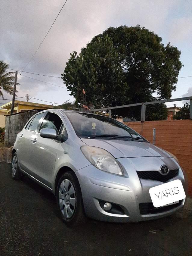 Toyota-Yaris-2011