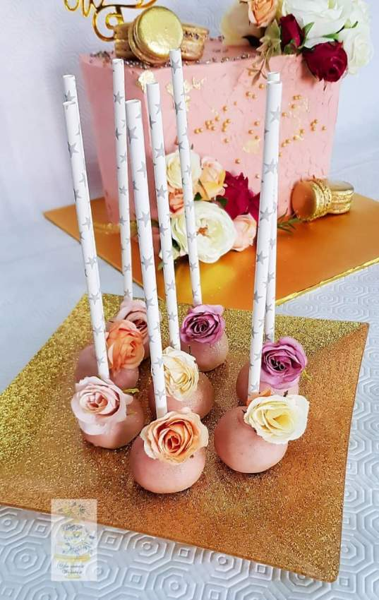 Customized cake pops
