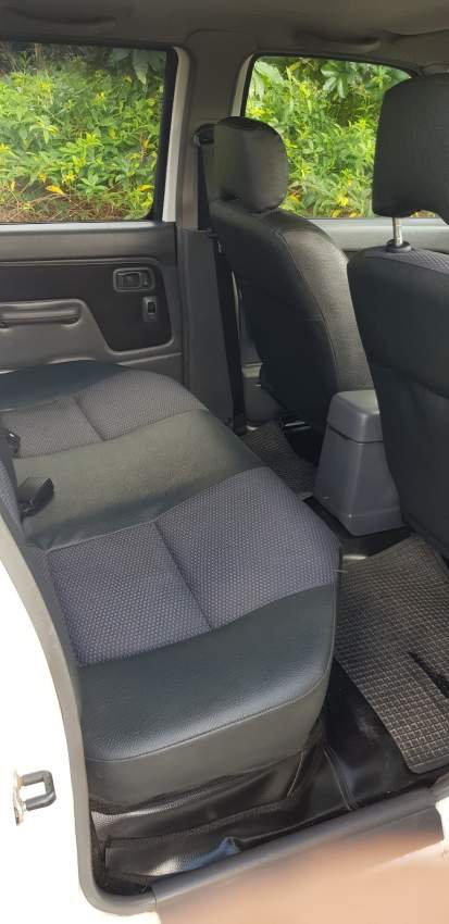 For sale Nissan Hardbody NP300 4c4 2015