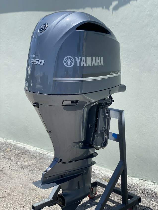 Used Yamaha 250 HP 4-Stroke Outboard Motor