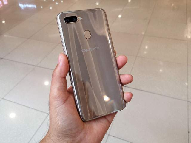 OPPO A7 64 GB