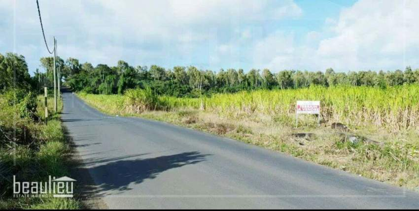 1A70 Ps Agricutural land, Beau Plateau, Cottage - Land at AsterVender