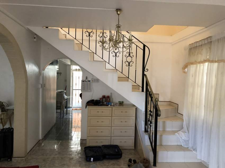 Luxurious and fully furnished house 2200p2 at Caro Lalo, P-Louis - Houses at AsterVender