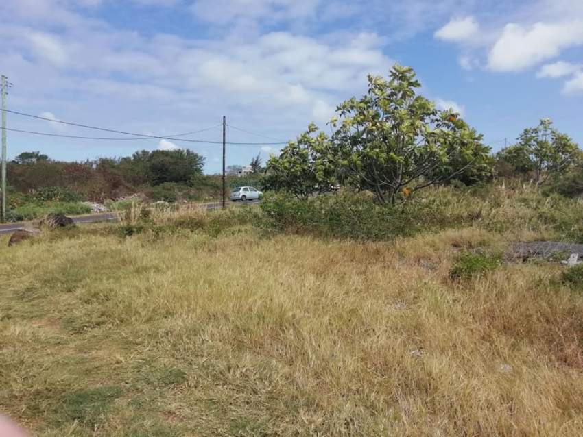 1 arpent 36.55 perches land in Royal Rd, Sottise @ Rs 220,000/perche