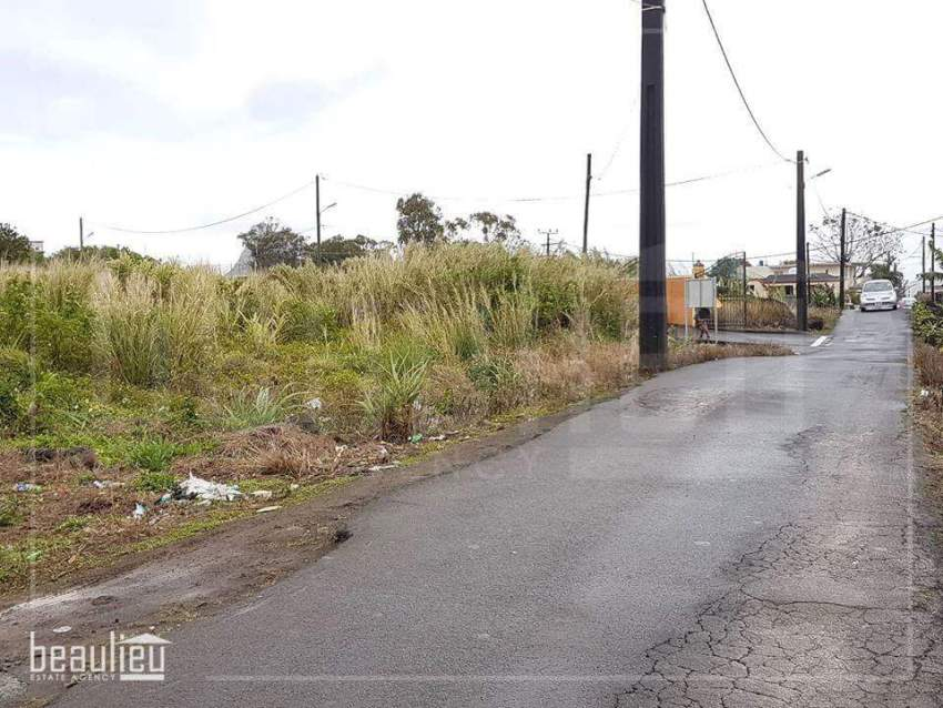 Residential land of 90 Perches, Vacoas