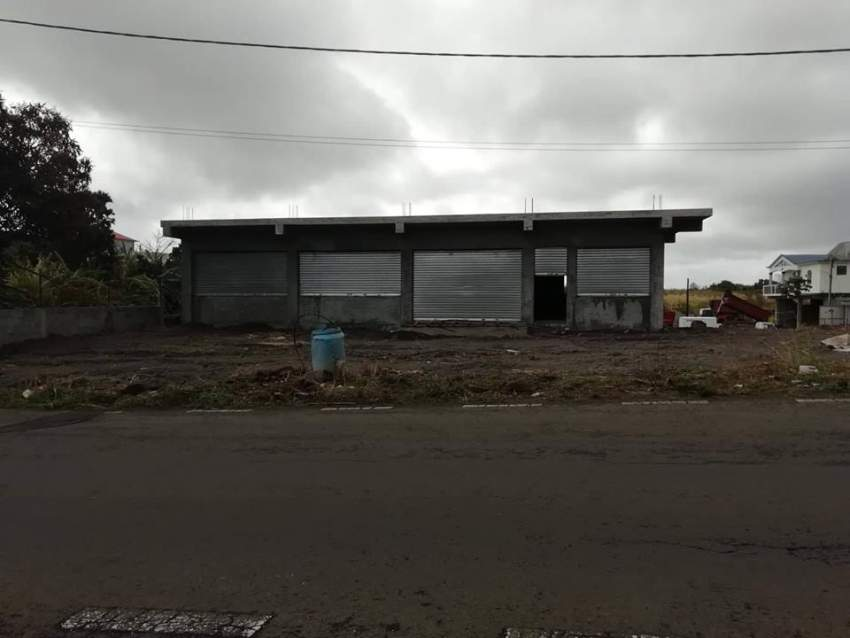 commercial building for sale at Beau Plateau, Cottage @ Rs 8,900,000