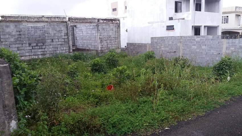 unfinished house on a plot of 7 perches in providence @ Rs 1700000 neg