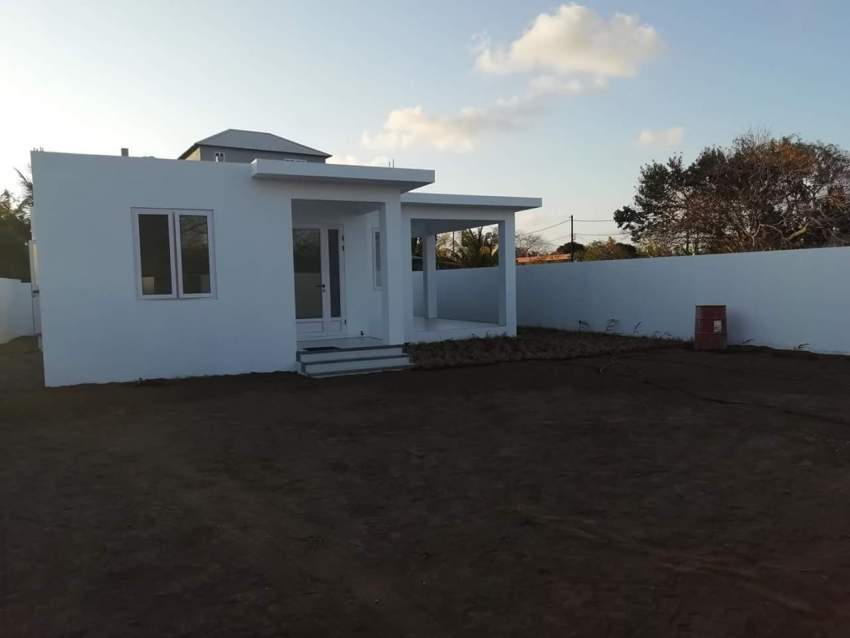 3 bedrooms new house for sale in Cap Malheureux. 5 mins to beaches.