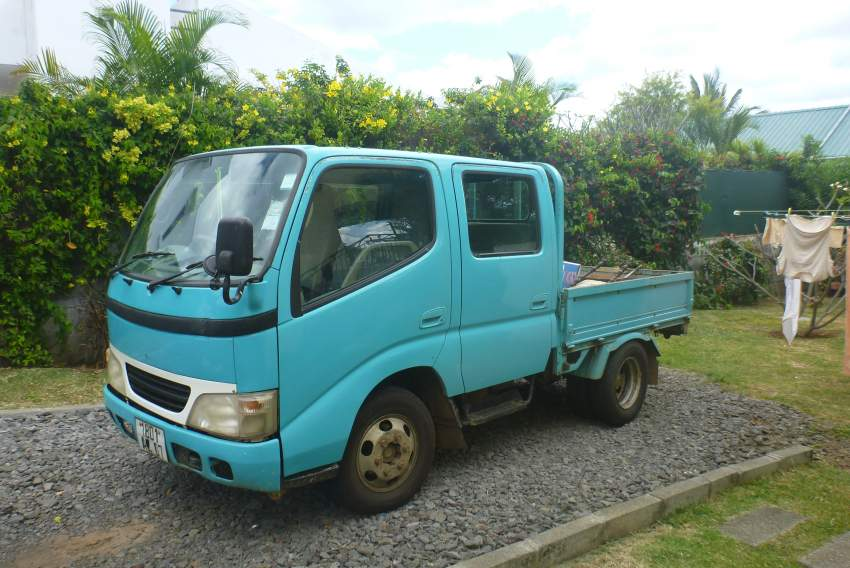 fourgon toyota dyna double cabine - Small trucks (Camionette) at AsterVender