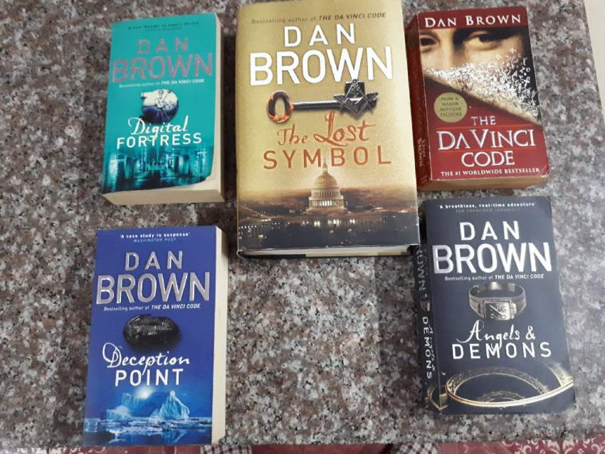 DAN BROWN COLLECTION - Fictional books at AsterVender