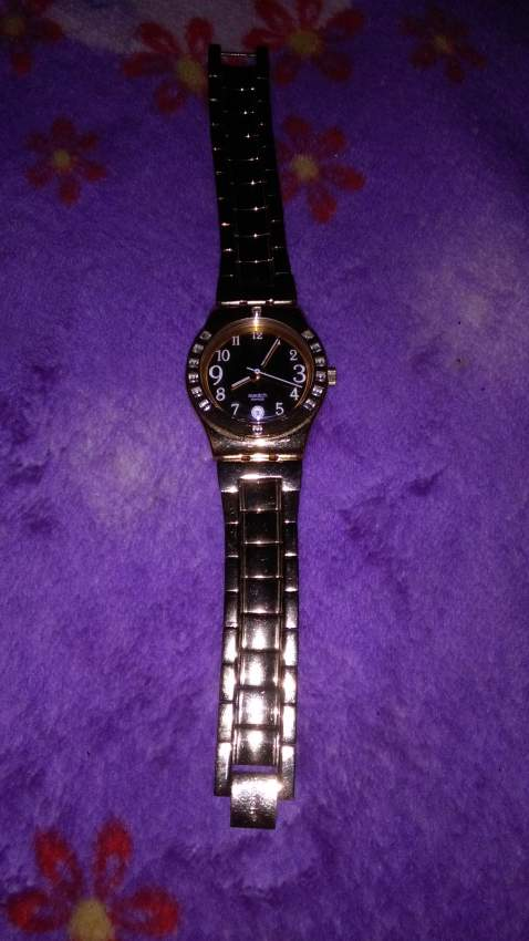 montre swatch switzerland 2500rs - Watches on Aster Vender