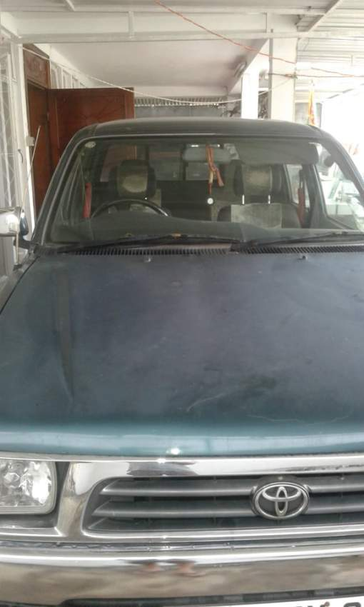 Toyota Hilux 2*4 Yr 98 for sale - Pickup trucks (4x4 & 4x2) at AsterVender