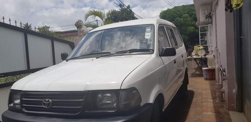 Toyota Condor  2001