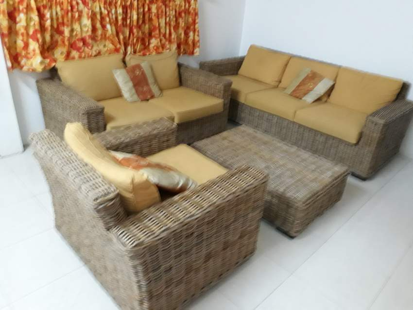 Set de sofa + table en rotin