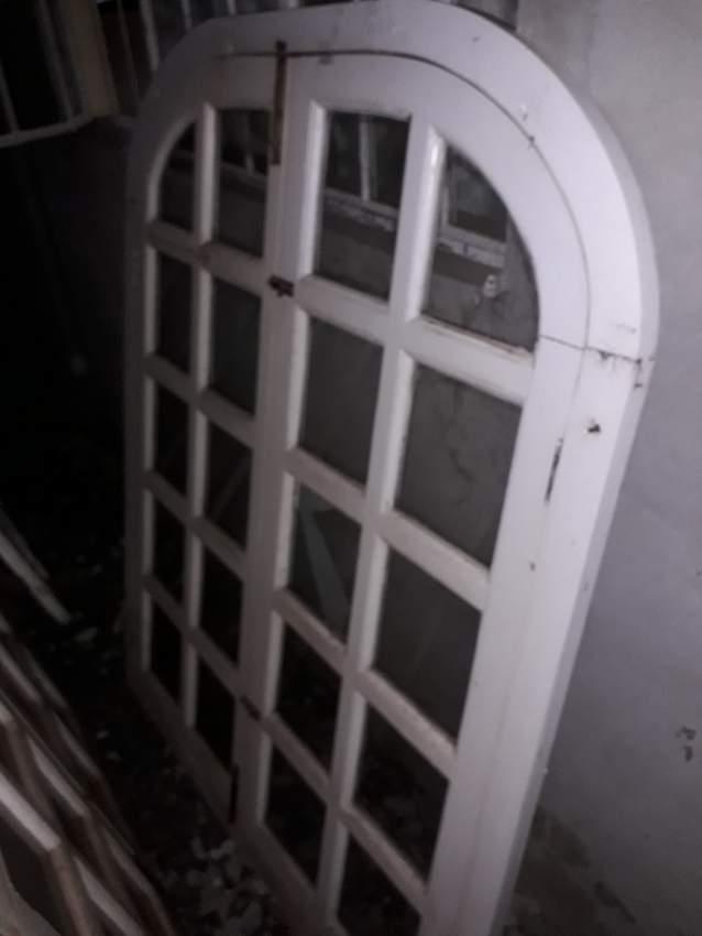 Porte Fenetre en bois vitré