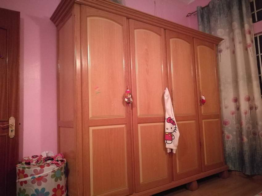 Armoire a vendre - Bedroom Furniture at AsterVender