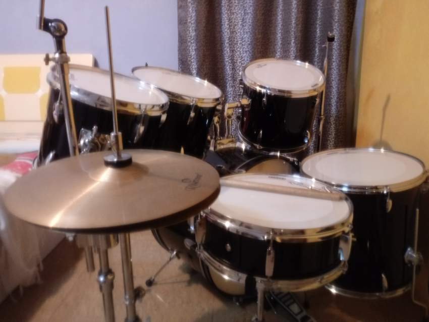 Risetone 6 pcs Drum with 2 cymbals stand - Drums at AsterVender