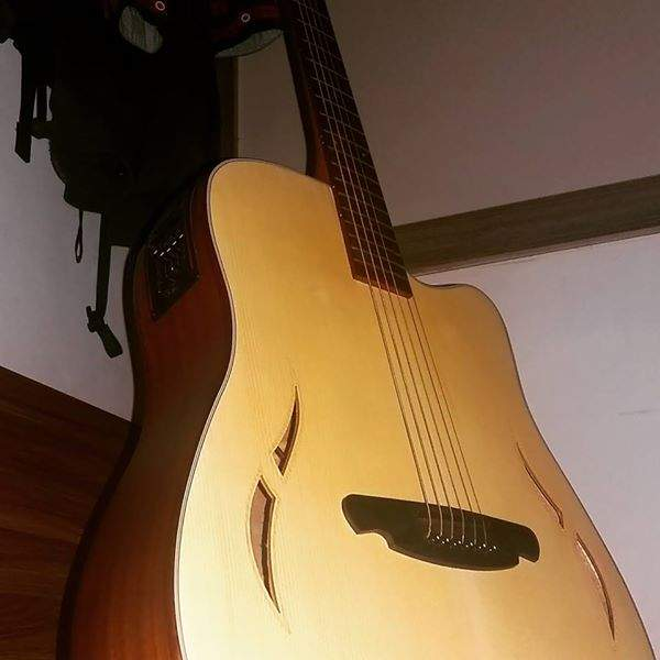 SQOE F Acoustic guitar with pickup and can be amplified. (Bag included - Accoustic guitar at AsterVender