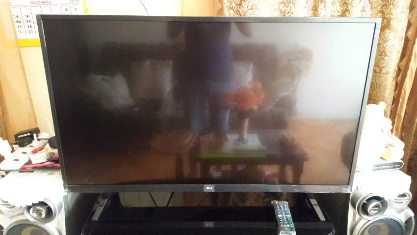 LG SMART 4K 43 INCHES TV