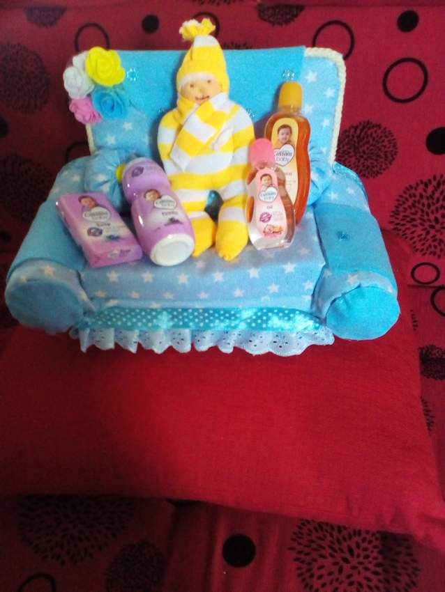 baby gift pack and organiser
