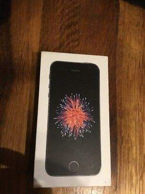 Iphone SE 64GB Space Grey - No Scratch (Price Negotiable)  - iPhones at AsterVender