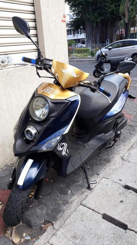 scooter sym crox