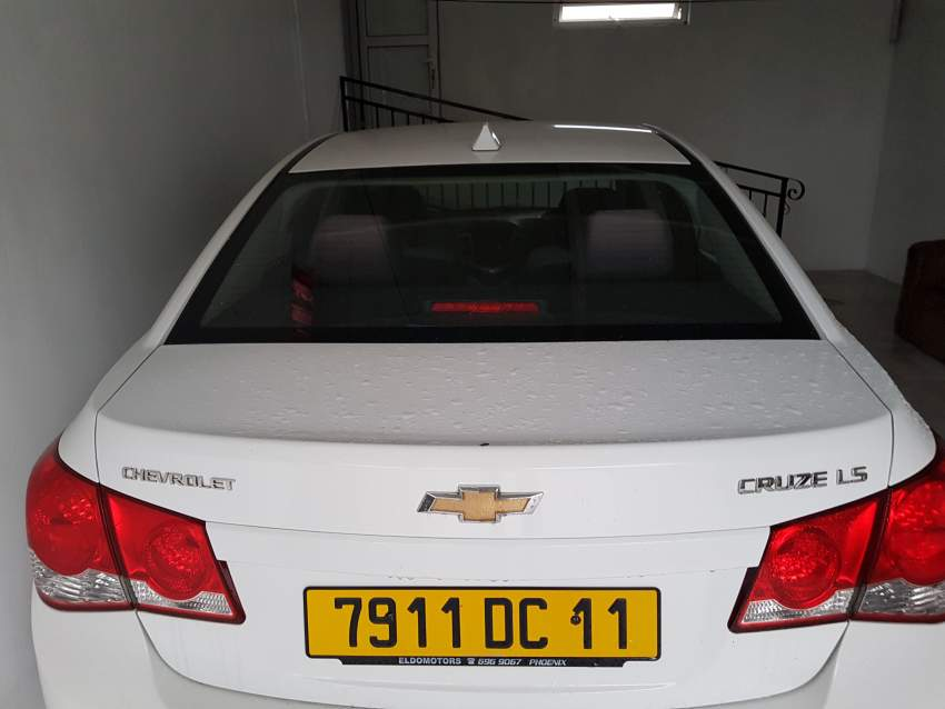 Private car chevrolet cruize year 2011