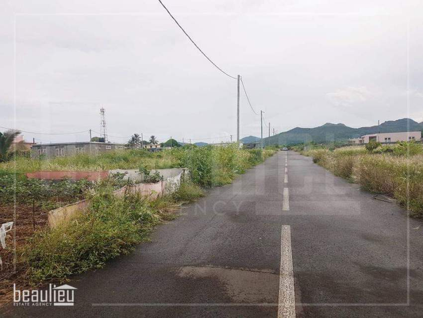 Residential land of 7 perches in Morcellement VRS, Bramsthan,Flacq. - Land at AsterVender
