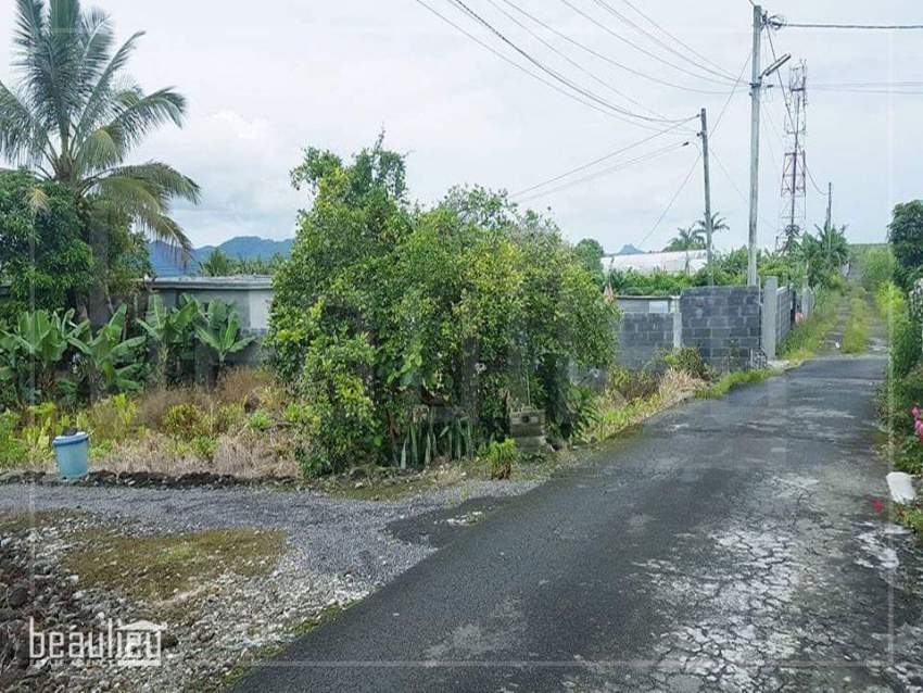 Residential land of 7 perches in Mont Ida