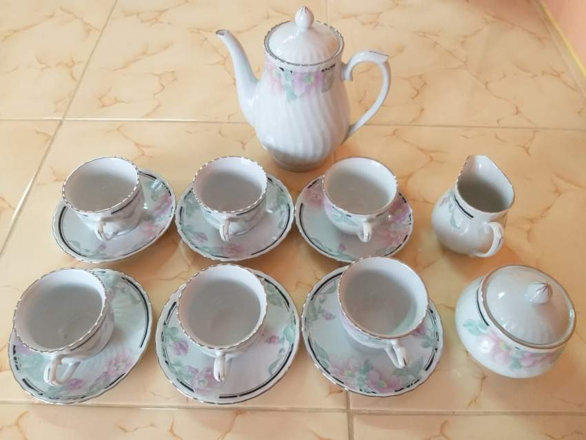A whole Tea set - Antiques at AsterVender