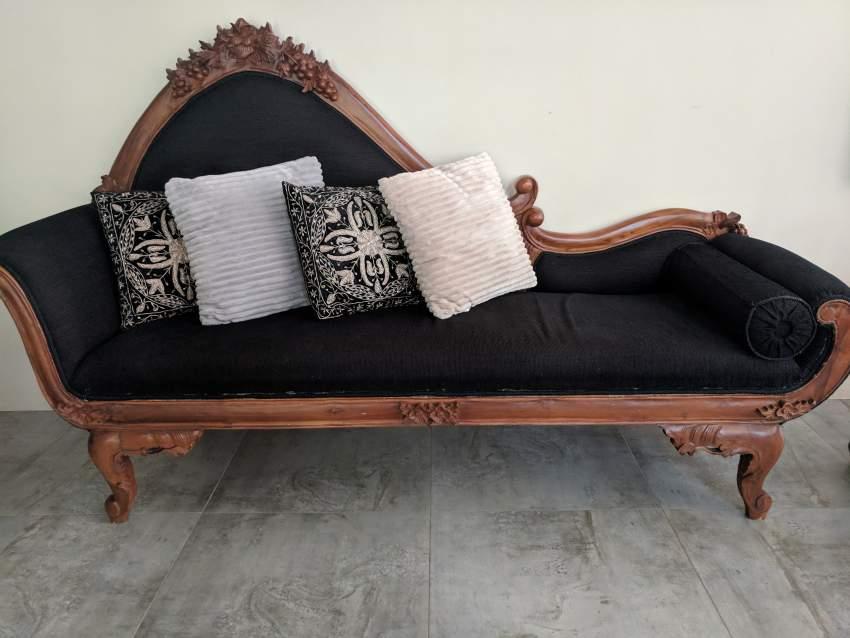 Sofa Teck sculptee