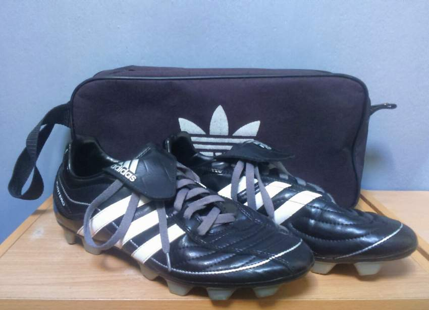 Adidas Puntero Soccer shoes - Sports shoes at AsterVender
