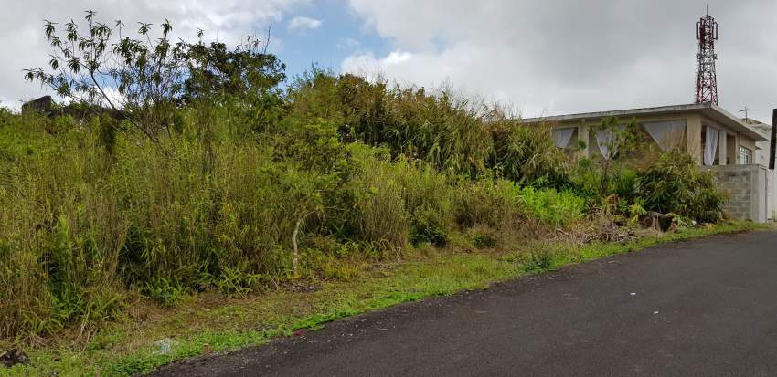 Land @ 16eme milles of 8.7 perches for sale