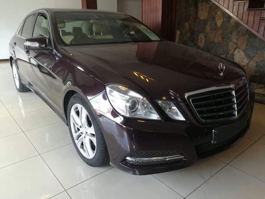 MERCEDES BENZ E-250 CGI FOR SALE