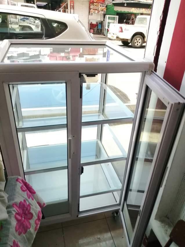 vitrine aluminium