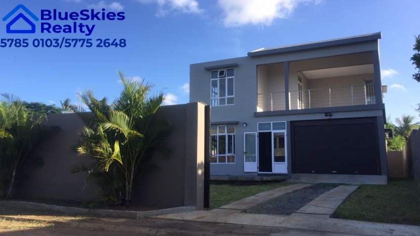 New 4 bedroom modern house in Trou aux Biches