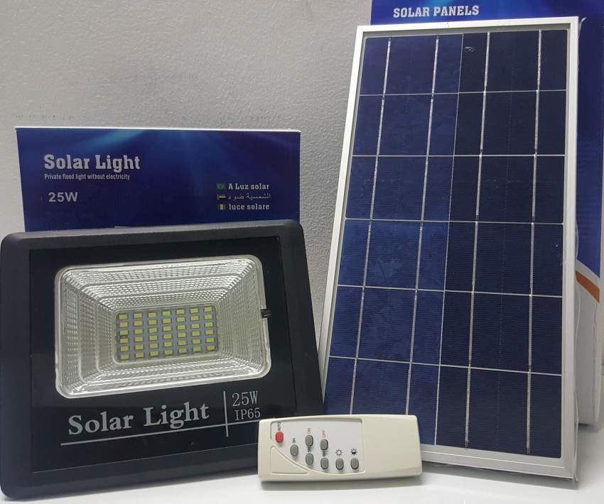 Solar floodlight 25w