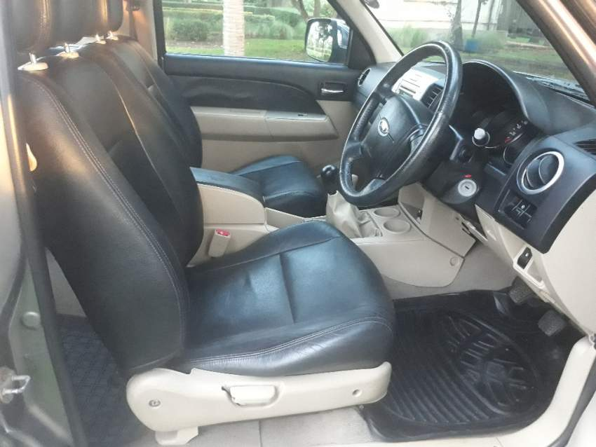 Ford Everest 2011 2.5 T at AsterVender
